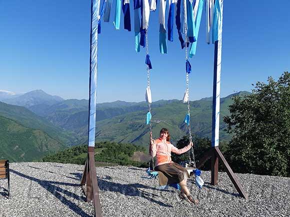 Качели в горнолыжном курорте Ведучи, Чеченская Республика