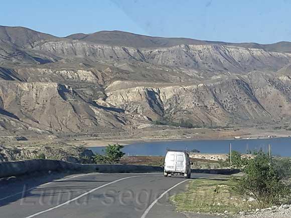 Подъезжаем к Чиркейскому водохранилищу, Дагестан